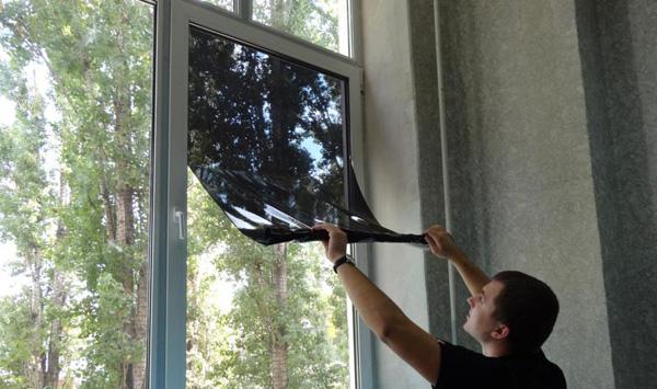 Пленка на окна: разновидности и способы монтажа