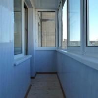 otdelka_balkona_stenovymi_panelyami_svoimi_rukami.jpg